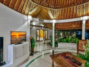 Villa Damai Kecil Bali - Living Room