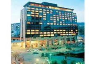 Radisson Plaza Hotel in City Center