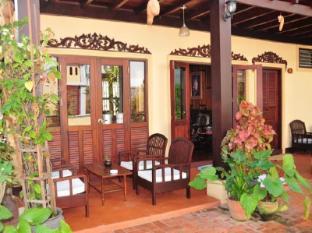 Villa Senesouk Hotel Luang Prabang - Balcony/Terrace