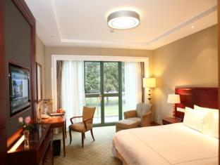 Hongqiao State Guest Hotel Shanghai - Deluxe with Garden View
