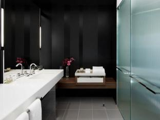 Crown Promenade Hotel Melbourne - Bathroom