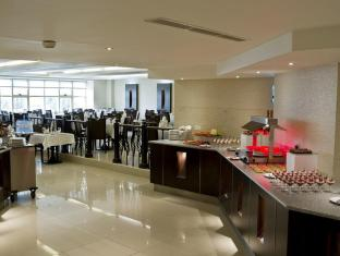 Carlton Tower Hotel Dubai - Food, drink and entertainment