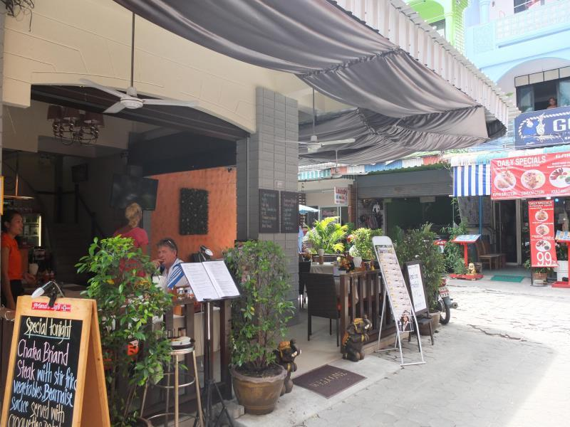 Friends Cafe Jomtien Guesthouse - Hotels and Accommodation in Thailand, Asia