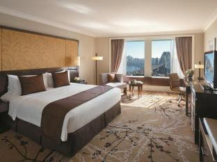 Shangri-la Hotel Sydney - Executive Grand Harbour View Room