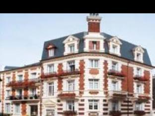 Le Fer A Cheval Hotel