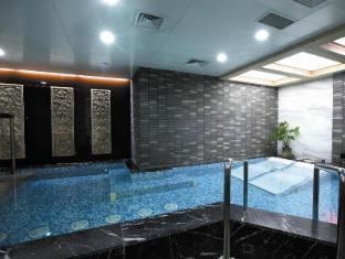 Novotel Beijing Xinqiao Beijing - Swimming Pool