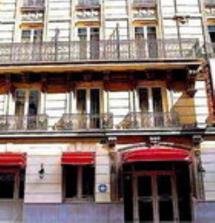 Hôtel Le Cardinal - Hotell och Boende i Frankrike i Europa