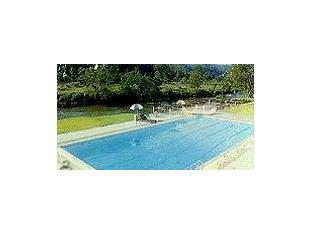 โรงแรมแม่ฮ่องสอน ริเวอร์ไซด์ แม่ฮ่องสอน - สระว่ายน้ำ