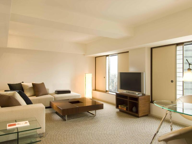 Twin Tower Suite Hilton Advance Purchase