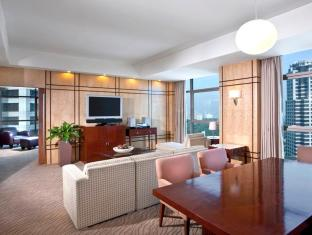 Crowne Plaza Manila Galleria Hotel Manila - Crowne Suite