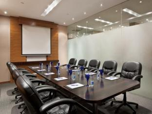 Crowne Plaza Manila Galleria Hotel Manila - Conference Room