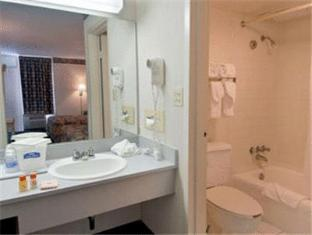 Howard Johnson Inn Orlando International Drive Orlando (FL) - Bathroom