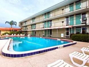 Howard Johnson Inn Orlando International Drive Orlando (FL) - Swimming Pool