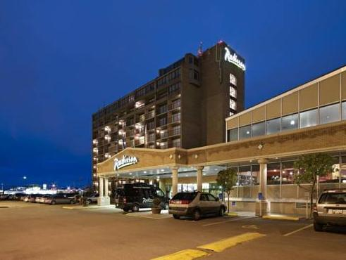 Clarion Hotel And Conference Centre Calgary (AB) - Hotellet udefra