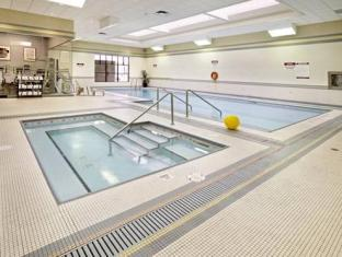 Clarion Hotel And Conference Centre Calgary (AB) - Swimmingpool