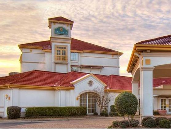 La Quinta Inns & Suites Shreveport - Hotel and accommodation in Usa in Shreveport (LA)