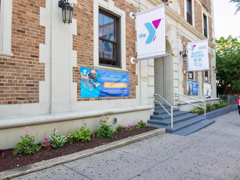 Flushing YMCA Hostel - Hotel and accommodation in Usa in New York (NY)
