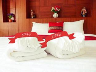 suksan patong place guesthouse