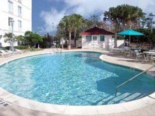 La Quinta Inn Suites Orlando Ucf Orlando Fl United States