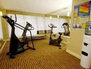 Park Inn & Suites On Broadway Hotel Vancouver (BC) - fitnes