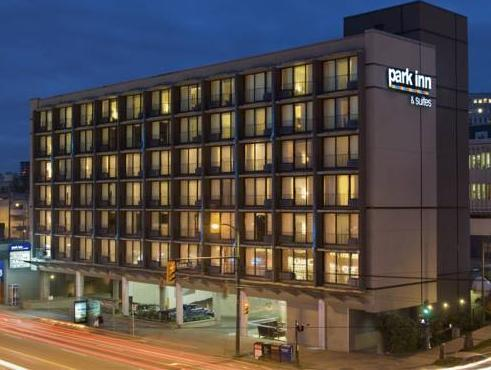 Park Inn & Suites On Broadway Hotel
