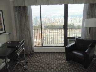 Park Inn & Suites On Broadway Hotel Vancouver (BC) - apartma