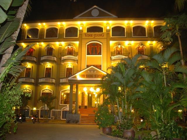 Hotell Vinh Suong Seaside Resort