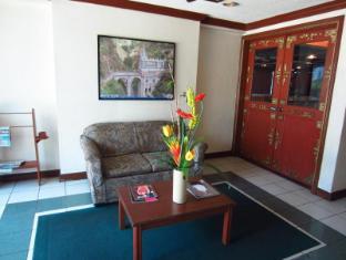 Days Hotel Mactan Island  सेबू - लॉबी