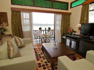 Lake Kenyir Resort Tasik Kenyir - Villa