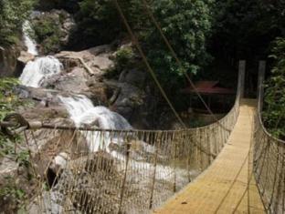 Lake Kenyir Resort Tasik Kenyir - Lasir Waterfall