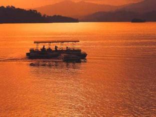 Lake Kenyir Resort Tasik Kenyir - Sunset