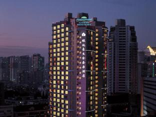 Shanghai Howard Johnson All Suites Hotel Shanghai - Building Night