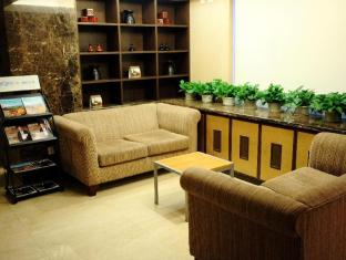Shanghai Howard Johnson All Suites Hotel Shanghai - 2nd Floor Rest Area