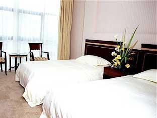 Ramada Plaza Shanghai Caohejing Hotel - More photos