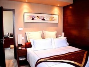 Ramada Plaza Shanghai Caohejing Hotel - Room type photo