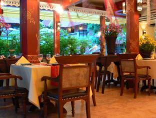 Yaang Come Village Hotel Chiang Mai - Food, drink and entertainment