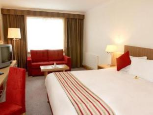Maldron Hotel And Leisure Club Cardiff Lane Dublin - Guest Room