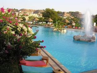 Pyramisa Isis Island Aswan Resort Aswan - Swimming Pool