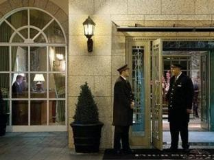 Four Seasons Hotel Dublin - Entrance