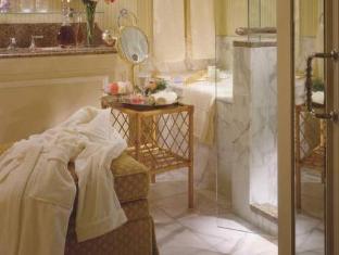 Four Seasons Hotel Dublin - Bathroom