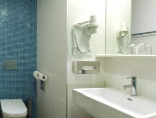 Hotel Carol Prague - Bathroom
