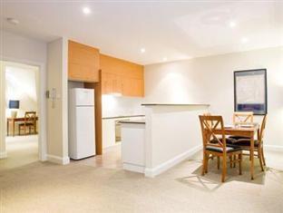 Bentley Suites Canberra - Guest Room