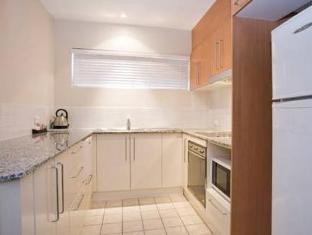Bentley Suites Canberra - Exterior