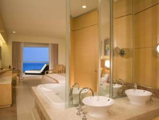 Beach Palace Resort - All Inclusive Cancun - Suite Room