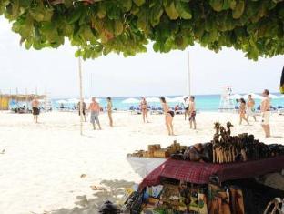 Doctors Cave Beach Hotel Montego Bay - Beach