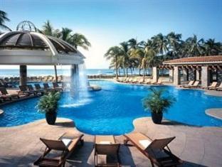 The Fairmont Pierre Marques Resort