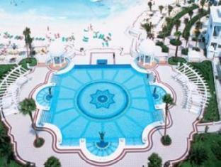 รูพาเลสลาสอเมริกา แคนคูน - สระว่ายน้ำ