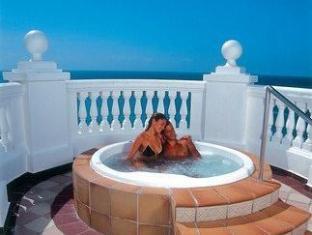 รูพาเลสลาสอเมริกา แคนคูน - อ่างอาบน้ำร้อน