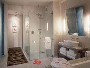 Chambers Hotel New York (NY) - Bathroom