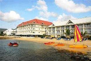 ビーチ プラザ ホテルの外観